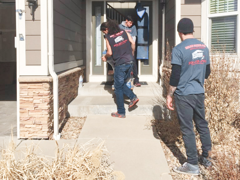 Hiring a Moving Company Versus Doing It Yourself